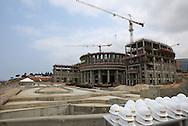 Aspecto geral da construção do edificio que irá albergar a Assembleia da Republica de Angola. O novo parlamento está a ser construido pela empresa de construção civil portuguesa, Teixeira Duarte,SA.