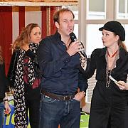 NLD/Amsterdam/20101208 - Skyradio Christmas Tree for Charity 2010, Arjan Erkel en Marleen Sahupala
