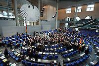 13 FEB 2009, BERLIN/GERMANY:<br /> uebersicht Abstimmung zum zweiten Konjunkturpaket zur Sicherung von Beschaeftigung und Stabilitaet in Deutschland, Plenum, Deutscher Bundestag<br /> IMAGE: 20090213-01-098<br /> KEYWORDS: Übersicht, Bundesadler