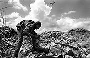February 1995, Kenya, Nairobi, Mukuru dumpsite, dump © ISABELLA BALENA www.isabellabalena.com