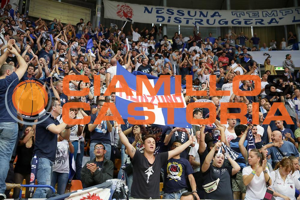 DESCRIZIONE : Bologna LNP Serie B 2014-15 Fortitudo Eternedile Bologna Bergamo Basket 2014<br /> GIOCATORE : <br /> CATEGORIA : tifosi supporteers<br /> SQUADRA : Fortitudo Eternedile Bologna<br /> EVENTO : Campionato LNP Serie B 2014-15<br /> GARA : Fortitudo Eternedile Bologna Bergamo Basket 2014<br /> DATA : 12/10/2014<br /> SPORT : Pallacanestro <br /> AUTORE : Agenzia Ciamillo-Castoria/D.Vigni<br /> Galleria : LNP Serie B 2014-2015 <br /> Fotonotizia : Bologna LNP Serie B 2014-15 Fortitudo Eternedile Bologna Bergamo Basket 2014<br /> Predefinita :