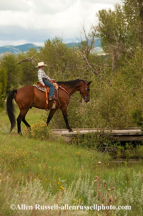 Charley Hurley, 11 year old boy, trail rider, Quarter Horse, Montana, MODEL RELEASED