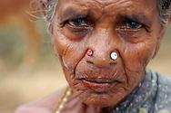 INDE<br /> Vieille femme d'un village d'Intouchables, Kalarpuram.