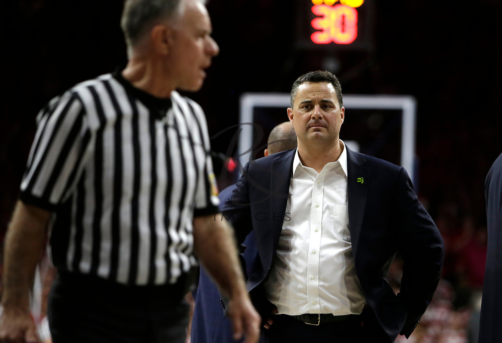 Arizona head coach Sean Miller in the first half during an NCAA college basketball game against Utah, Saturday, Jan. 27, 2018, in Tucson, Ariz. (AP Photo/Rick Scuteri)