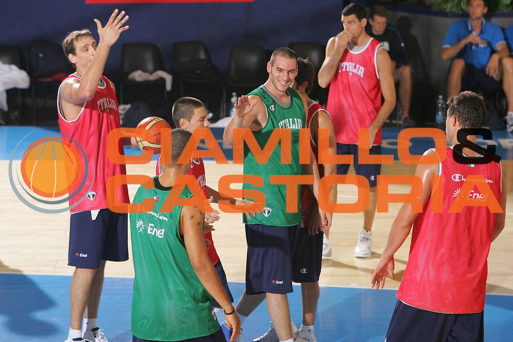 DESCRIZIONE : Bormio Ritiro Nazionale Italiana Maschile Preparazione Eurobasket 2007 Allenamento <br /> GIOCATORE : Andrea Crosariol <br /> SQUADRA : Nazionale Italia Uomini <br /> EVENTO : Bormio Ritiro Nazionale Italiana Uomini Preparazione Eurobasket 2007 <br /> GARA : <br /> DATA : 24/07/2007 <br /> CATEGORIA : Allenamento <br /> SPORT : Pallacanestro <br /> AUTORE : Agenzia Ciamillo-Castoria/S.Silvestri