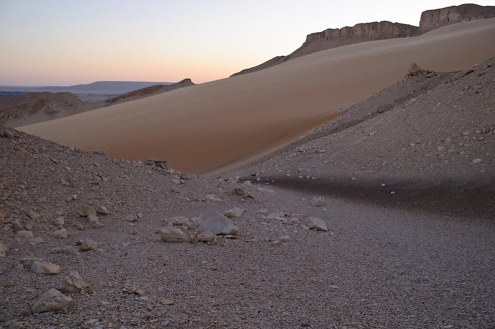 The desert plateau around Al-Qasr, Dakhla Oasis, at dusk