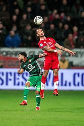 24-01-2018 NED: FC Utrecht - Feyenoord, Utrecht<br /> Utrecht speelt 1-1 gelijk tegen Feyenoord / Feyenoord midfielder Tonny Vilhena #10, FC Utrecht defender Sean Klaiber #17