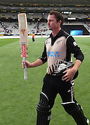 Colin Munro thanks the fans after his NZ record for the fastest Twenty20 50 runs. Twenty20 match between New Zealand Black Caps and Sri Lanka at Eden Park in Auckland, New Zealand. Sunday 10 January 2016. Copyright photo: Andrew Cornaga / www.photosport.nz