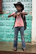 Haïti, Département du Nord. Suite au passage de l'ouragan Irma en septembre 2017, le CECI a distribué 200 kits scolaires aux élèves de la commune de Malfety Romeo ayant perdu leur matériel scolaire dans les inondations.
