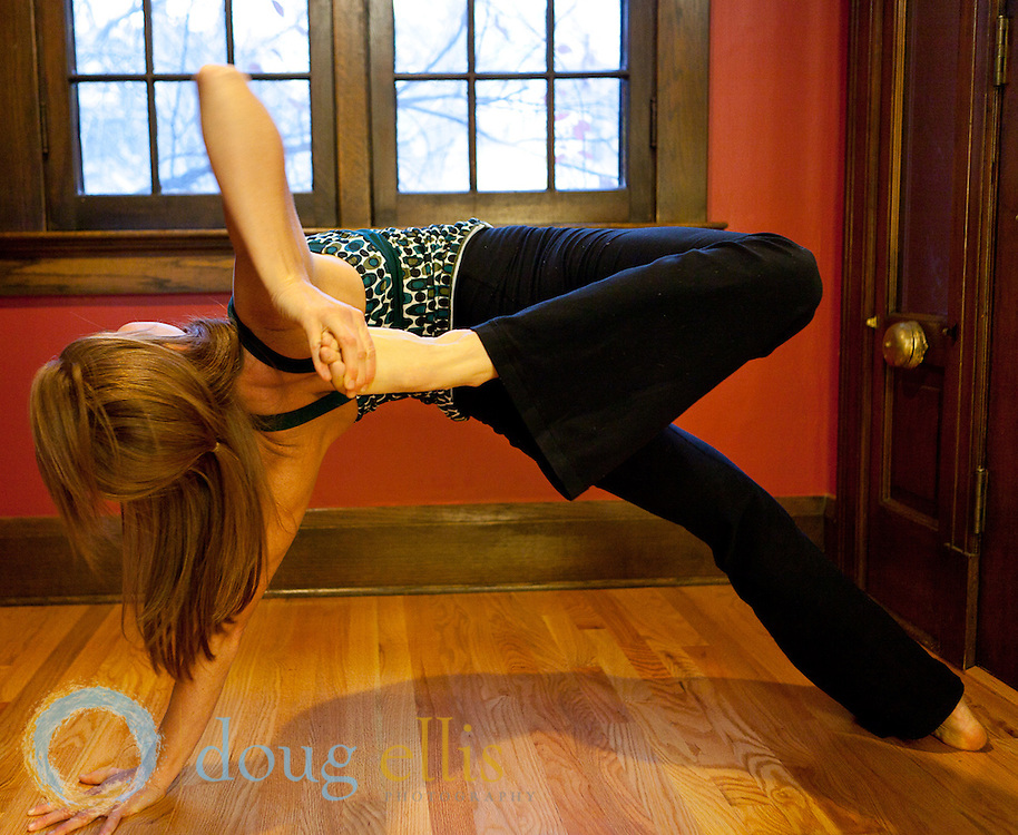 Leah Peterson yogini photos at home by Doug Ellis.