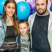 NLD/Amsterdam/20170318 - première De Smurfen en het Verloren Dorp, Jamie Saunders, partner Zoe en dochter Haley