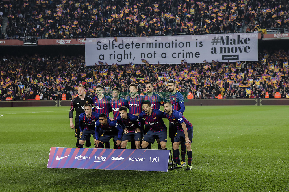 February 6, 2019 - Barcelona, Spain - FC Barcelona fans claiming for the self-determination of Catalonia during the semi-final first leg of Spanish King Cup / Copa del Rey football match between FC Barcelona and Real Madrid on 04 of February of 2019 at Camp Nou stadium in Barcelona, Spain  (Credit Image: © Xavier Bonilla/NurPhoto via ZUMA Press)