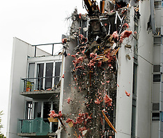 Christchurch-Demolition begins on Terrace on the Park apartments