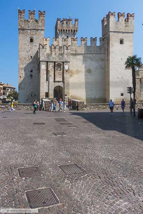 Scallger Castle, medieval, Sirmione on Lake Garda, Gardasee, Brescia, Lombardy, Italy, Sirmione