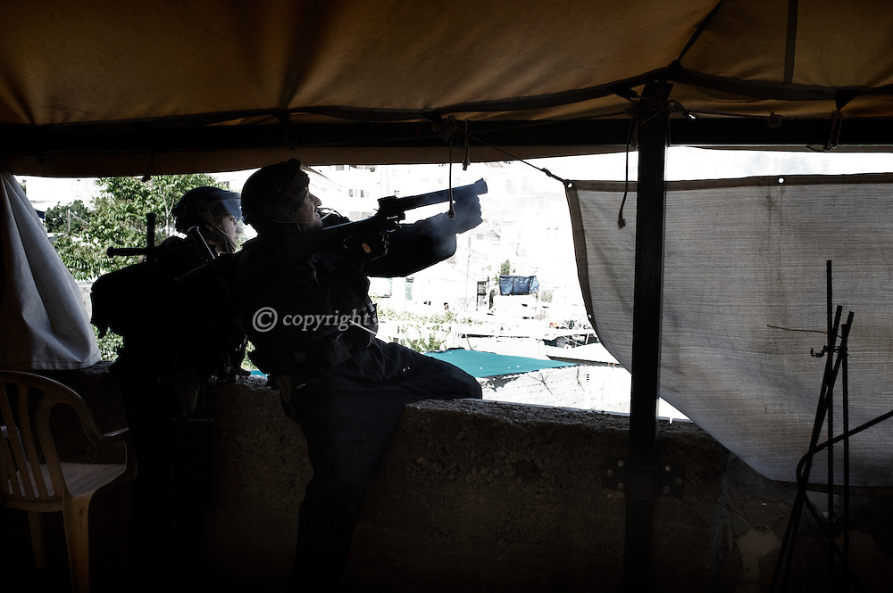 Jerusalem. Clashes with Israeli police in Silwan on March 29, 2011. ALESSIO ROMENZI