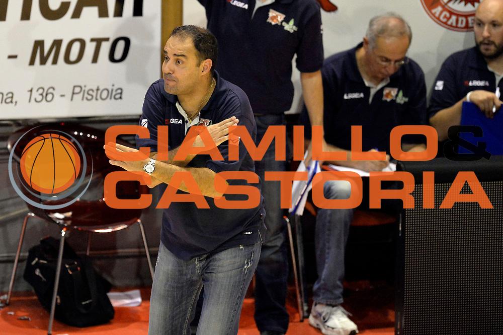 DESCRIZIONE : Pistoia Lega A 2014-2015 Giorgio Tesi Group Pistoia Banco di Sardegna Sassari<br /> GIOCATORE : Paolo Moretti<br /> CATEGORIA : delusione<br /> SQUADRA : Giorgio Tesi Group Pistoia<br /> EVENTO : Campionato Lega A 2014-2015<br /> GARA : Giorgio Tesi Group Pistoia Banco di Sardegna Sassari<br /> DATA : 20/10/2014<br /> SPORT : Pallacanestro<br /> AUTORE : Agenzia Ciamillo-Castoria/GiulioCiamillo<br /> GALLERIA : Lega Basket A 2014-2015<br /> FOTONOTIZIA : Pistoia Lega A 2014-2015 Giorgio Tesi Group Pistoia Banco di Sardegna Sassari<br /> PREDEFINITA :