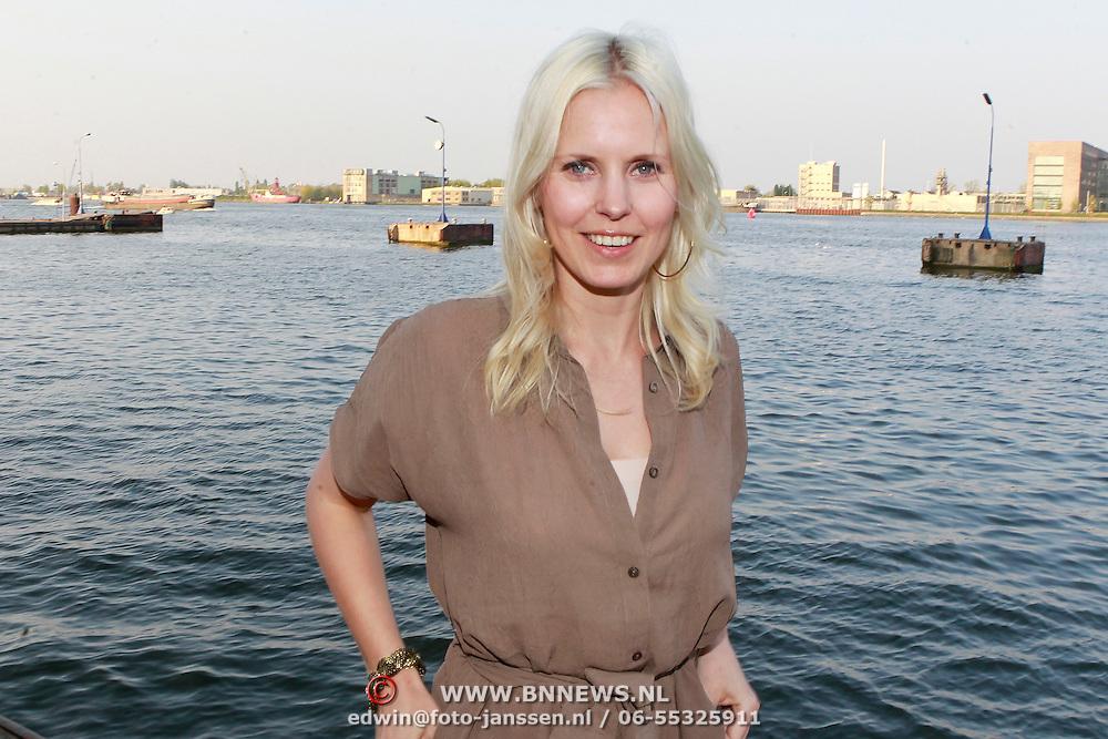 NLD/Amsterdam/20110420 - Presentatie nieuwe editie L' Homme, Bettina Holwerda