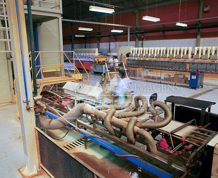 Industria de Ceramica em Tubarao, Santa Catarina, Brasil. foto de Ze Paiva/Vista Imagens