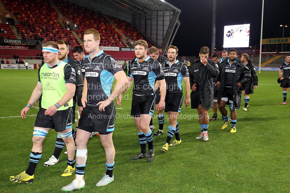 Glasgow Warrior players walk off looking dejected at the end of the match.<br /> Guinness Pro12 rugby match, Munster v Glasgow Warriors at Thomond Park in Limerick, Ireland on Friday 2nd October 2015.<br /> pic by John Halas, Andrew Orchard sports photography.