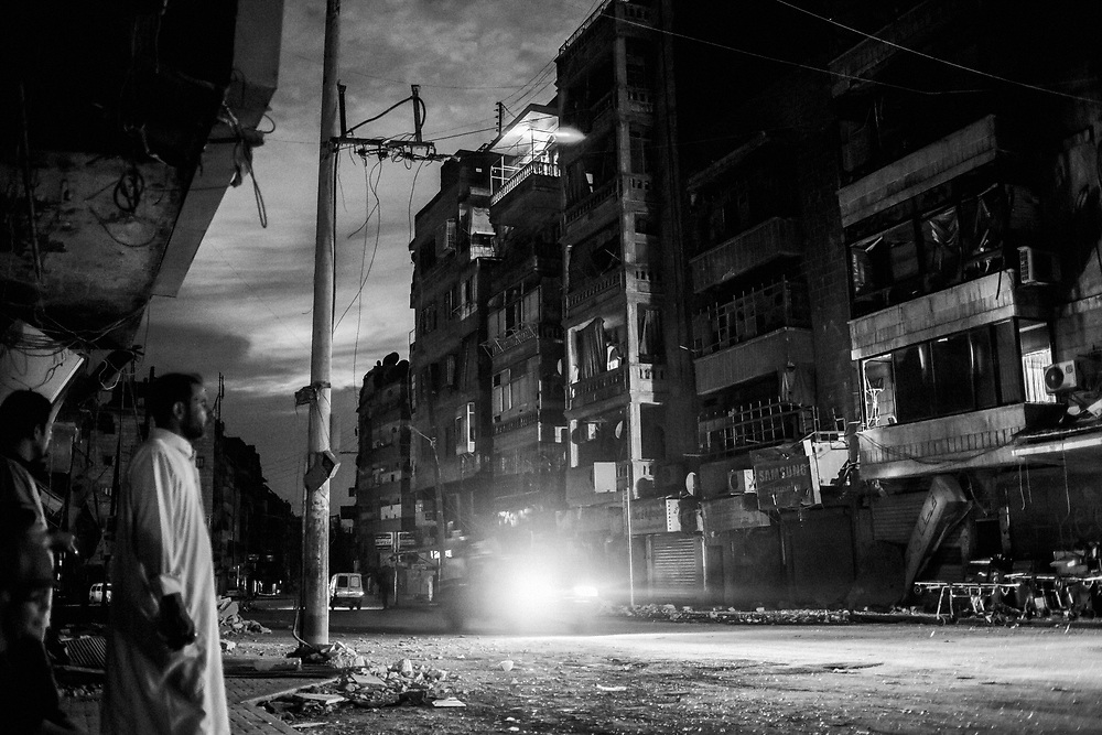 Aleppo, Syria, 2012/10/09.<br /> Tareeq Al-Bab district.<br /> A night view.