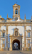 Neoclassical architecture Arco da Vila built after the 1755 earthquake, city of Faro, Algarve, Portugal, Europe