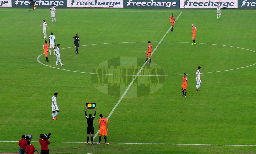 Delhi Dynamos FC and NorthEast United FC players in action during match 16 of the Hero Indian Super League between The Delhi Dynamos FC and NorthEast United FC held at the Jawaharlal Nehru Stadium, Delhi, India on the 29th October 2014.<br /> <br /> Photo by:  Arjun Panwar/ ISL/ SPORTZPICS
