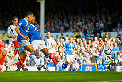 LIVERPOOL, ENGLAND - Sunday, September 20, 2009: Everton's Louis Saha scores the opening goal against Blackburn Rovers during the Premiership match at Goodison Park. (Pic by David Rawcliffe/Propaganda)