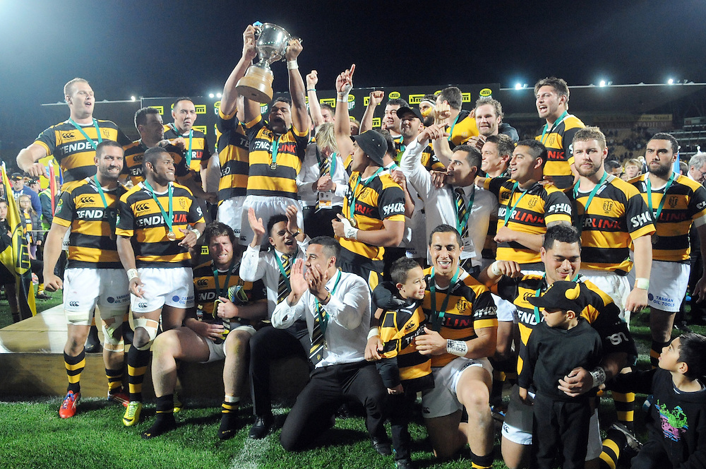 Taranaki celebrate their win over the Tasman Makos in the ITM Cup Rugby Premiership final match at Yarrow Stadium, New Plymouth, New Zealand, Saturday, October 25, 2014. Credit:SNPA / Ross Setford