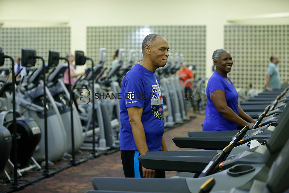 11/8/17 7:36:55 PM --  Charles and Shonda at Healthzone at SFHS. <br /> <br /> Photo by Shane Bevel