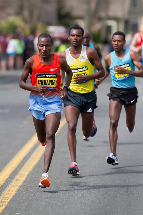 2013 Boston Marathon: Dickson Chumba, Kenya, leads race near mile 15