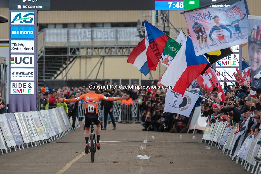 20190201: UCI CX Worlds : Dübendorf: Ryan Kamp celebrating his victory