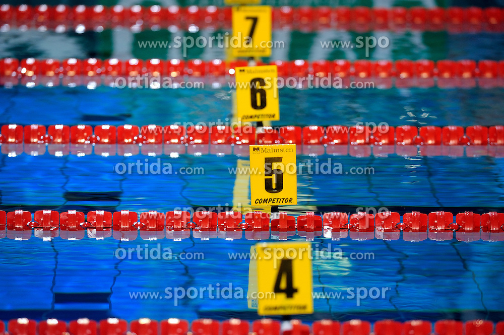 27-11-2010 Swimming, EUROPEAN SHORT COURSE CHAMPIONSHIPS: EINDHOVEN 2010: Lane numbers /  Photo Ronald Hoogendoorn / SPORTIDA PHOTO AGENCY