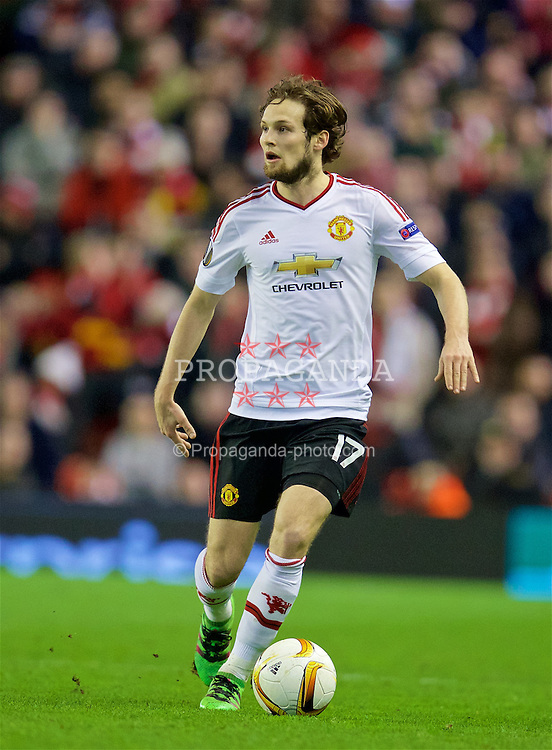 LIVERPOOL, ENGLAND - Thursday, March 10, 2016: Manchester United's Daley Blind in action against Liverpool during the UEFA Europa League Round of 16 1st Leg match at Anfield. (Pic by David Rawcliffe/Propaganda)