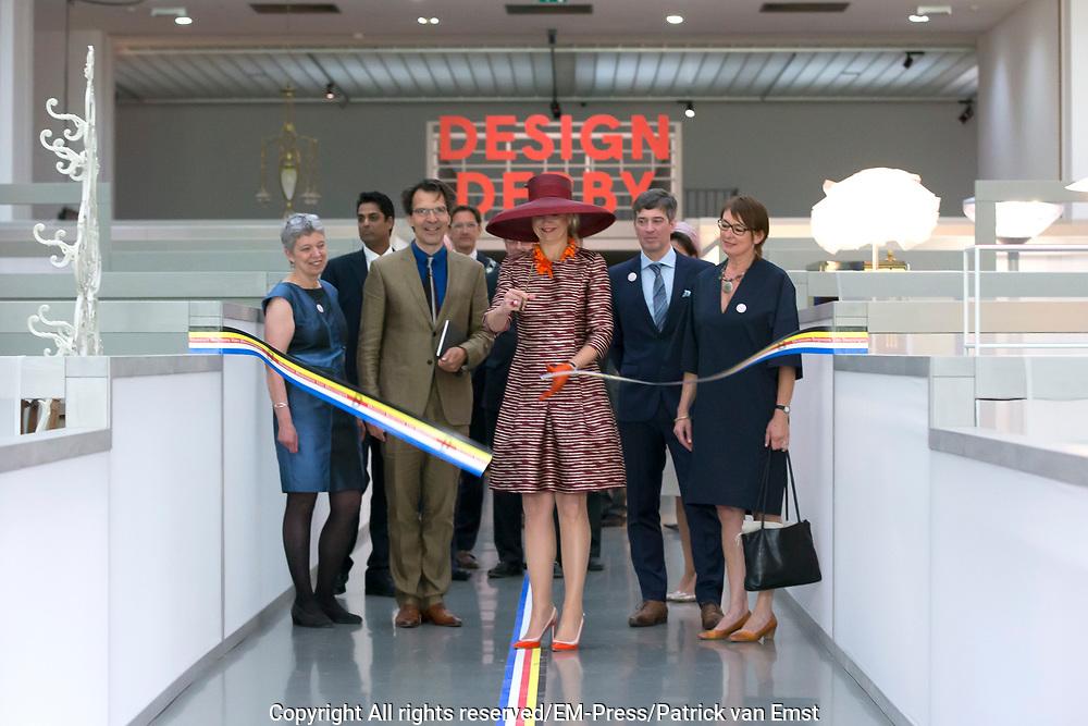 Koningin Maxima opent tentoonstelling Design Derby: Nederland-Belgi&euml; (1815-2015)  in Museum Boijmans Van Beuningen , Rotterdam. Nederland en Belgi&euml; proberen elkaar al eeuwenlang de loef af te steken op het gebied van design.  De verschillen en overeenkomsten worden  in beeld gebracht bij de expositie <br /> <br /> Queen Maxima opens exhibition Design Derby: Netherlands-Belgium (1815-2015) at the Museum Boijmans Van Beuningen, Rotterdam. Netherlands and Belgium are trying to stabbing each other for centuries the better of in the field of design. The differences and similarities are portrayed in the exhibition