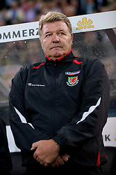 MONCHENGLADBACH, GERMANY - Wednesday, October 15, 2008: Wales' manager John Toshack MBE before the 2010 FIFA World Cup South Africa Qualifying Group 4 match against Germany at the Borussia-Park Stadium. (Photo by David Rawcliffe/Propaganda)