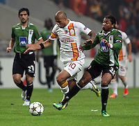 UEFA Champions league group H football match between  Braga v Galatasaray at Municipal (AXA)Stadium in Braga, Portugal 05.12.2012.Match Scored: Braga 1 - Galatasaray 2.Pictured: Felipe Melo of Galattasaray and Alan Silva of Braga.