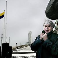 Nederland, Zandvoort , 2 december 2009.. wethouder Martin Bierman (Ouderenpartij Zandvoort, OPZ) op de boulevard van Zandvoort.Foto:Jean-Pierre Jans
