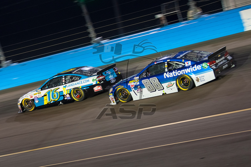 Avondale, AZ - Nov 15, 2015:  The NASCAR Sprint Cup Series teams take to the track for the Quicken Loans Race for Heroes 500(k) at Phoenix International Raceway in Avondale, AZ.