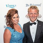 NLD/Hilversum/20190902 - Voetballer van het jaar gala 2019, Dirk Kuyt en partner Gertrude van Vuren