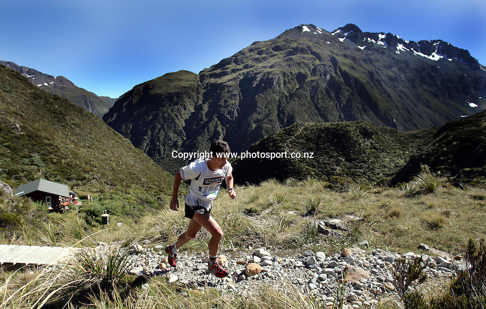 Jonathan Wyatt runs up the pass during the Speight's Coast to Coast Endurance Race from Kumara through to Sumner, Christchurch on Friday 4th February, 2005. Wyatt is in the team event with Olympic athlete, Ben Fouhy.<br />PHOTO: Hannah Johnston/PHOTOSPORT