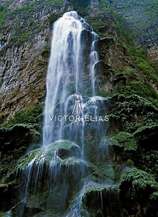 Arbol de Navidad waterfall at Sumidero Canyon..Chiapas, Mexico.
