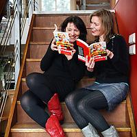 Nederland, Rotterdam , 5 maart 2010..Mirjam Rovers (l) en Monique van Boekhandel van Gennep..Foto:Jean-Pierre Jans