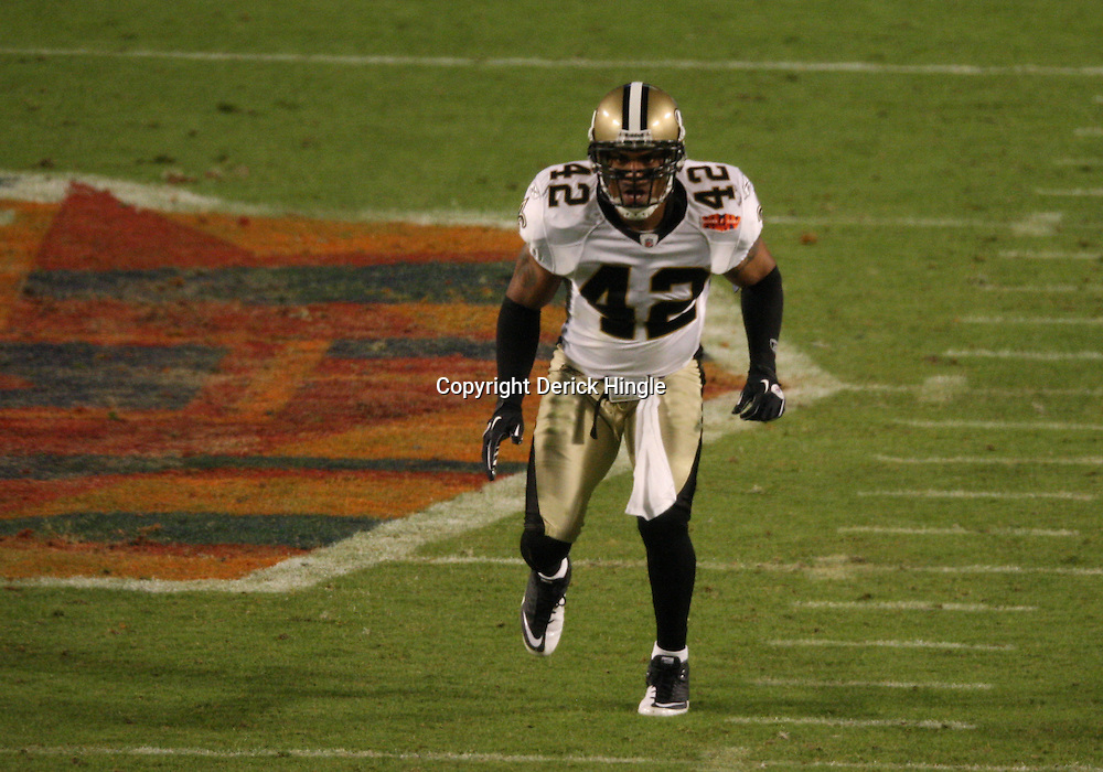 2010 February 07: New Orleans Saints safety Darren Sharper (42) drops into coverage during a 31-17 win by the New Orleans Saints over the Indianapolis Colts in Super Bowl XLIV at Sun Life Stadium in Miami Gardens, Florida.