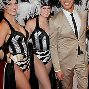 NLD/Amsterdam/20120204 - 30ste Verjaardag Richy Brown, Richy met showgirls