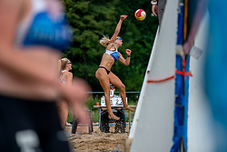 Nadine Everaert, Esmee Priem in action. From July 1, competition in the Netherlands may be played again for the first time since the start of the corona pandemic. Nevobo and Sportworx, the organizer of the DELA Eredivisie Beach volleyball, are taking this opportunity with both hands. At sunrise, Wednesday exactly at 5.24 a.m., the first whistle will sound for the DELA Eredivisie opening tournament in Zaandam on 1 July 2020 in Zaandam.