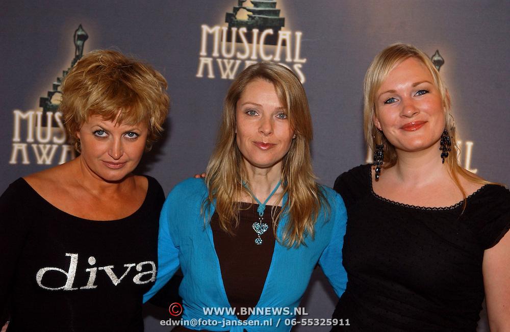 NLD/Amsterdam/20050520 - Lunch genomineerden Musical awards 2005, Stanley Burleson, vrouwelijke hoofdrol in een Grote Musical, Vera Mann, Joke de Kruyff, Wieneke Remmers