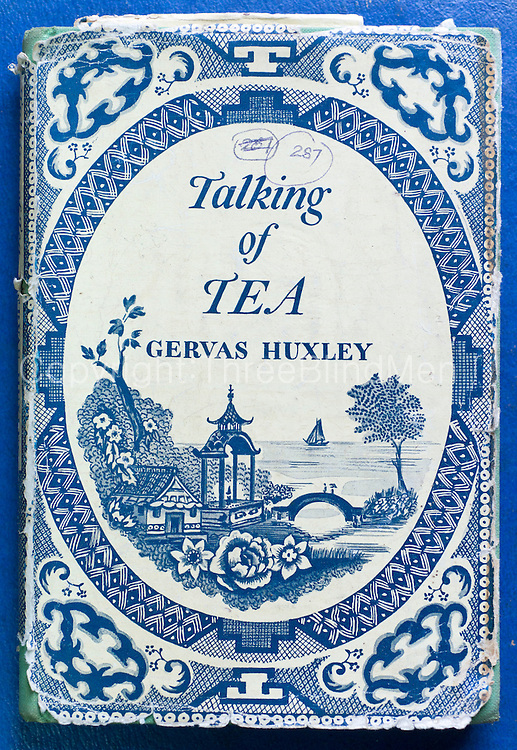 Talking of Tea. Gervas Huxley.