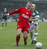 Photo. Andrew Unwin<br /> Yeovil v Liverpool, FA Cup Third Round, Huish Park, Yeovil 04/01/2004.<br /> Liverpool's Danny Murphy (l) holds off Yeovil's Darren Way (r).