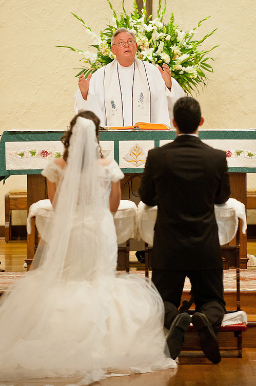 10/9/11 5:17:51 PM -- Zarines Negron and Abelardo Mendez III wedding Sunday, October 9, 2011. Photo©Mark Sobhani Photography