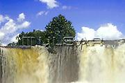 Cachoeira da Velha - Rio Novo, na cidade de Mateiros - Jalapão Local: Mateiros - TO Data: 02/2008 Tombo:  19DM032 Autor: Delfim Martins